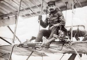 Aviation Militaire Adjudant Victor Menard sur son biplan Farman Ancienne Photo Meurisse 1911