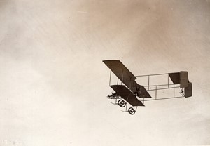 Aviation Militaire Adjudant Victor Menard en vol sur biplan Farman Ancienne Photo Meurisse 1911