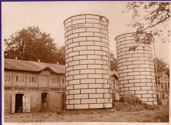 Farming-Modern-Iron-Fodder-Silos-Berlin-old-Photo-1930